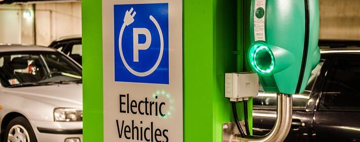¿Puedo instalar un punto de recarga para vehículos eléctricos en mi plaza de garaje?