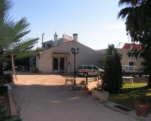 Chalet con garaje en Campo, Ondara