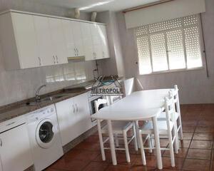 Casa de 3 habitaciones en Coles, Ourense