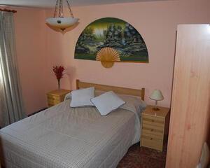 Piso de 3 habitaciones en Los Pisos, Lora del Río