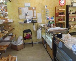 Local comercial de 4 habitaciones en Algorfa