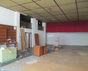 Local comercial de 1 habitación en Ramón Ferreiro, Lugo