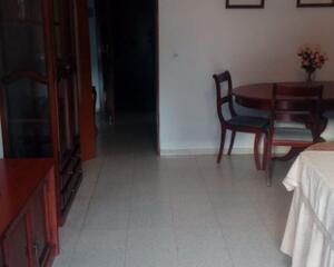 Piso de 3 habitaciones en San Benito, Écija