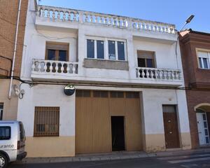 Casa con terraza en Alfaro