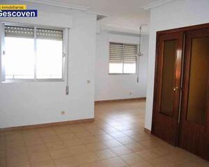Piso de 3 habitaciones en Centro, Alcantara