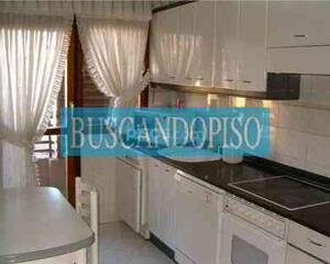 Piso de 4 habitaciones en Club Deportivo, Logroño
