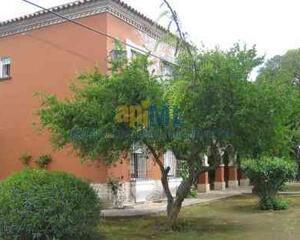 Chalet en Carretera de Palma del Río, Quinta de Machado, Poligonos Ind. Écija