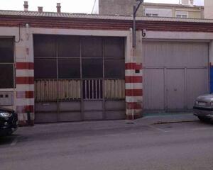 Local comercial de 2 habitaciones en Cocentaina