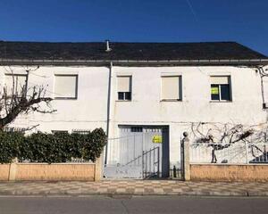 Casa de 7 habitaciones en León - Calamocos, Castropodame