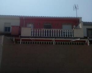 Casa con garaje en Huélaga