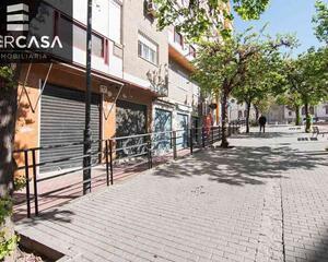 Local comercial amueblado en Plaza de Toros, Centro Granada