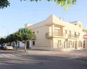 Villa con garaje en Alameda del Río, Lora del Río