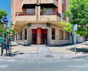 Local comercial de 4 habitaciones en Bulevar, Jaén