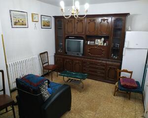 Piso de 3 habitaciones en {Otra Zona}, Tarazona