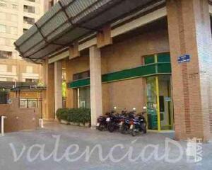 Local comercial en General Urrutia, Quatre Carreres Valencia