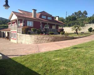 Casa de 5 habitaciones en Pontevedra
