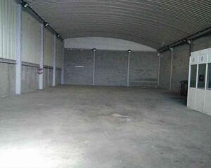Nave Industrial en Barriada de Llera, Grupo de José Antonio, Casco Antiguo Badajoz