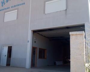 Nave Industrial con calefacción en Calamonte