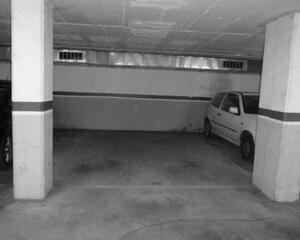 Garaje en La Font de la Guatlla, Sants Barcelona