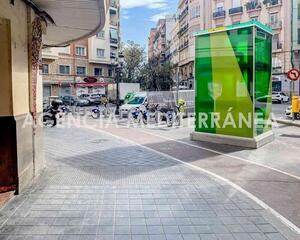 Local comercial con terraza en Gran Vía, L'Eixample Valencia