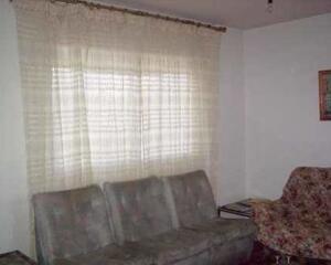Piso de 3 habitaciones en Armunia , León