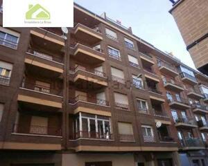 Ático de 4 habitaciones en Los Bloques, Zamora