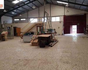 Nave Industrial con patio en Santa Cruz , Albacete