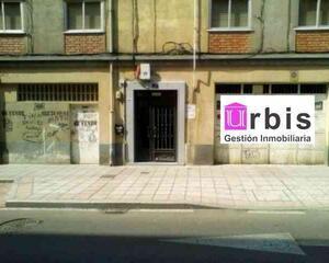 Local comercial en Blanco, Avda. Portugal Salamanca
