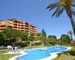 Piso con piscina en La Concha , Selwo Estepona