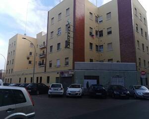 Local comercial en Tres Forques, L'olivereta Valencia