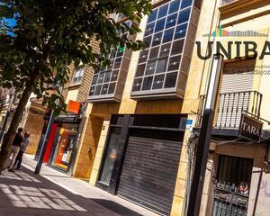 Local comercial reformado en Casco Antiguo , Badajoz