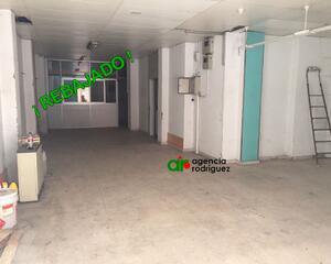 Local comercial de 3 habitaciones en Dominicos, San Lázaro Oviedo