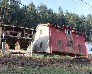 Casa de 3 habitaciones en Pravia