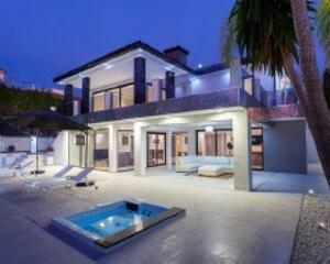 Villa con jardin en Los Monteros, Este Marbella