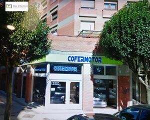 Local comercial en Santa Ana, La Chantría León
