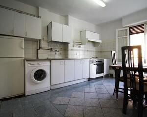 Piso de 3 habitaciones en Centro, Irún