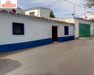 Casa con patio en Peñascosa