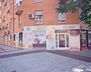Local comercial con calefacción en Rosas, San Blas Madrid