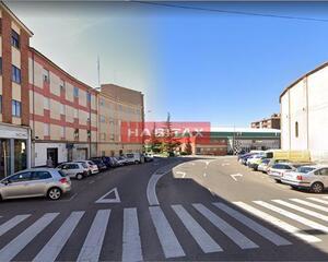 Local comercial de 1 habitación en Plaza de Toros, Centro Zamora