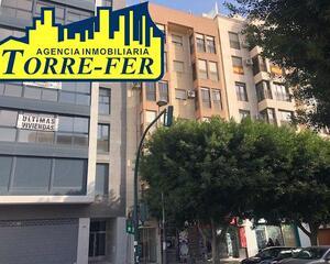 Piso de 3 habitaciones en Centro, Zapillo Almería