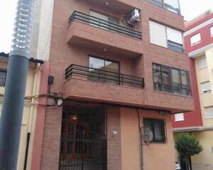 Piso de 5 habitaciones en Almansa