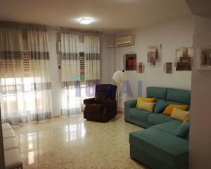 Piso de 4 habitaciones en Almendralejo