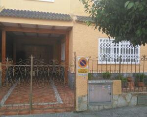 Adosado de 4 habitaciones en Almoradi