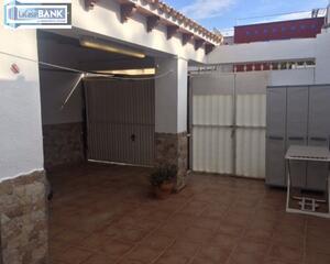 Adosado con terraza en Alfas Del Pi, Albir