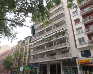 Local comercial con calefacción en Vara de Rey, Centro Logroño