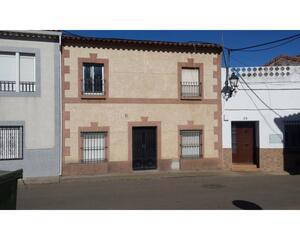 Casa de 3 habitaciones en Almendral