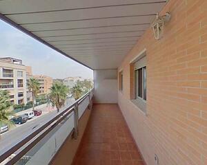 Piso con terraza en La Colina, Torremolinos