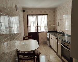 Piso de 3 habitaciones en El Milán, Oviedo