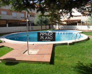 Adosado de 5 habitaciones en Llanos del Águila, Albacete