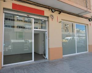 Local comercial reformado en Benicalap, Valencia